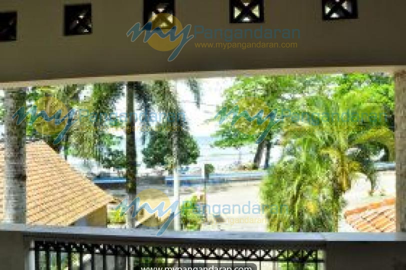 Tampilan Depan Pondok Putri Hotel Batukaras
